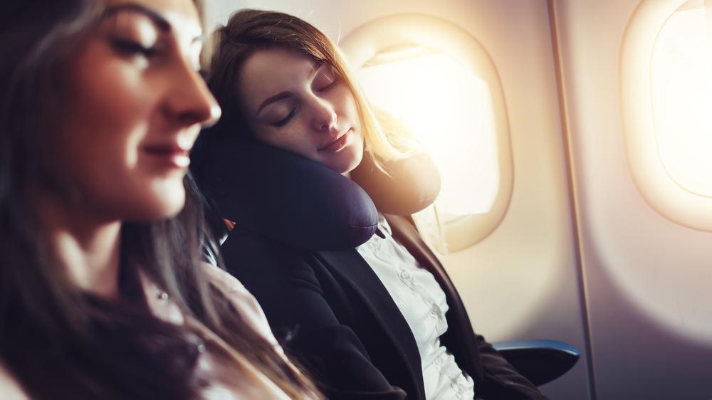 Krank nach dem Flug: Wie man den Urlaub trotzdem genießen kann